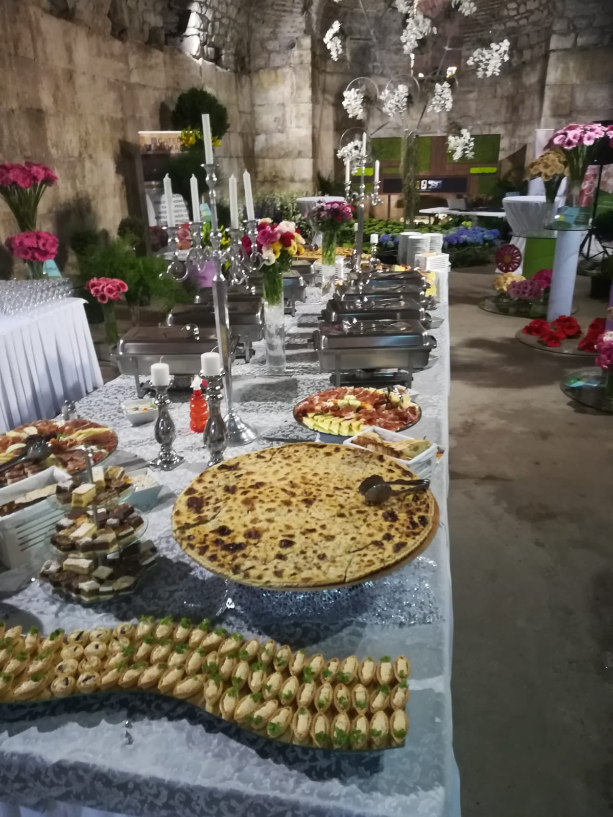 Dioklecijanovi podrumi catering